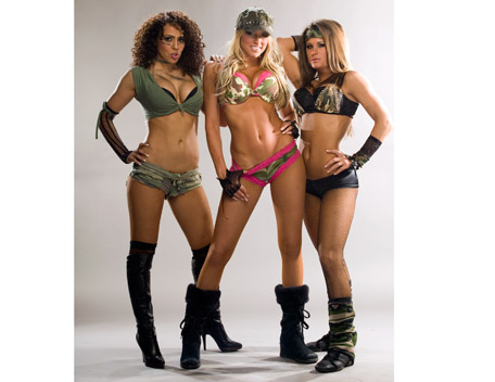 WWE LAYLA پیپر وال containing a bikini entitled Layla Photoshoot Flashback