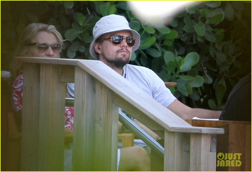 Leonardo DiCaprio: Miami With Mom Irmelin - leonardo-dicaprio Photo