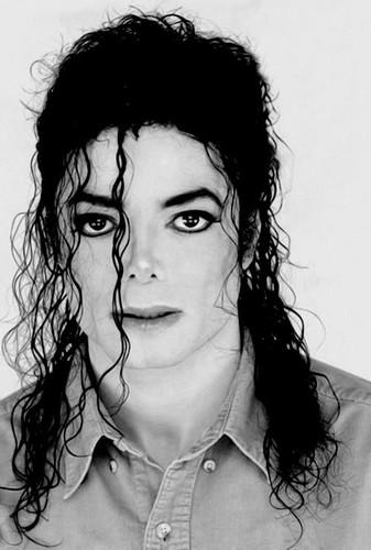 마이클 잭슨의 로봇 댄스 바탕화면 entitled MJ