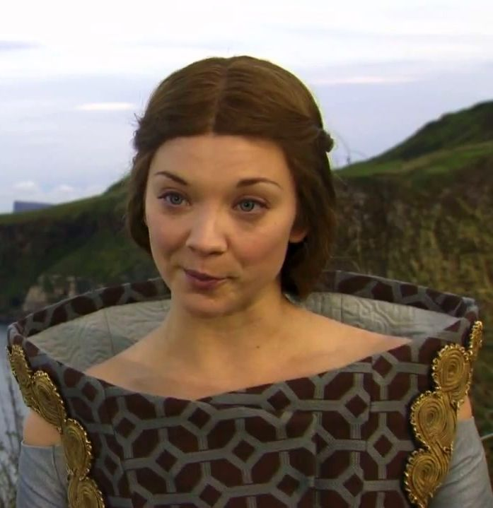Margaery-Tyrell-house-baratheon-29805192-697-719.jpg