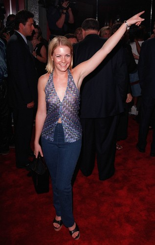 melissa joan hart fondo de pantalla possibly with a well dressed person and a business suit titled Melissa Joan Hart