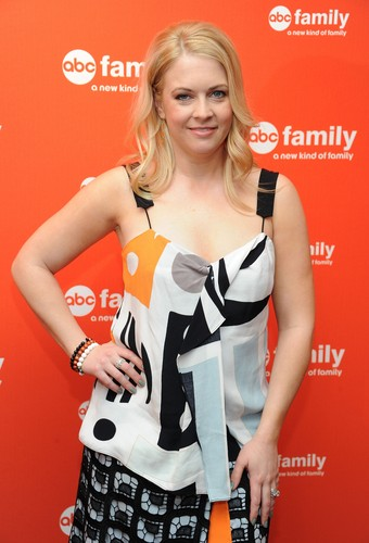 Melissa Joan Hart Hintergrund possibly with a portrait called Melissa Joan Hart
