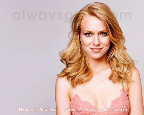 atrizes wallpaper with attractiveness and a portrait titled Naomi Watts