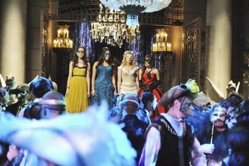 Pretty Little Liars season 2 finale 'UnmAsked'