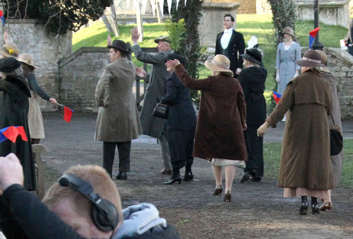 Downton Abbey 바탕화면 containing a 모피 코트 called Season 3