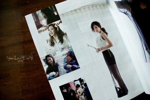 Yuri @ WKOREA (Fashion King)