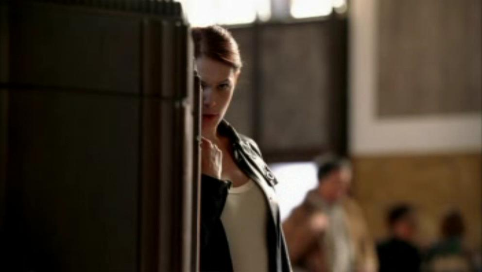 1x21- Miss Red