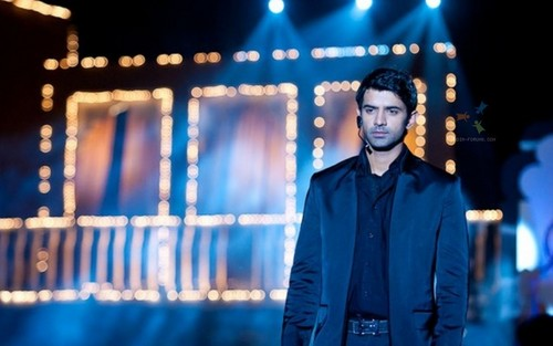 Iss Pyar Ko Kya Naam Doon wallpaper possibly containing a well dressed person and a business suit called Arnav
