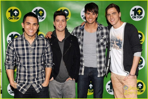 Big Time Rush Co-Host MTV's 10 on 上, ページのトップへ
