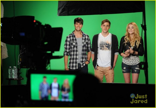 Big Time Rush Co-Host MTV's 10 on superiore, in alto