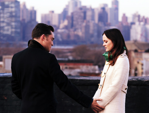 Blair & Chuck wallpaper with a business suit titled Blair & Chuck