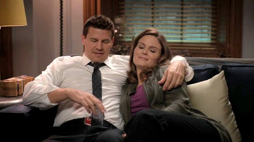 Leyton Family<3 দেওয়ালপত্র with a business suit entitled Booth & Brennan <3