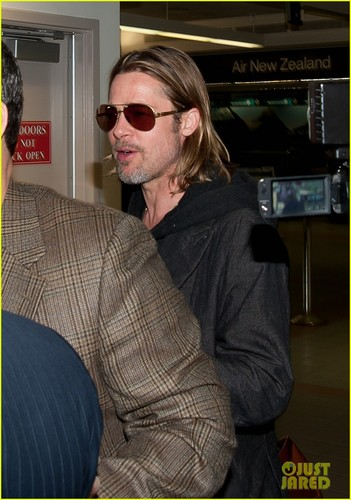 Brad Pitt images Brad Pitt: LAX Arrival HD wallpaper and background photos