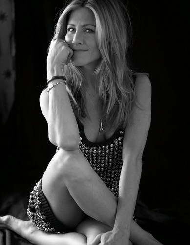 Carter Smith Photoshoot 2009 for Elle - jennifer-aniston Photo