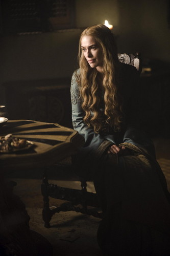 Game Of Thrones Season 2 Still: Cersei