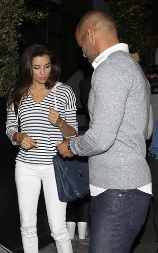 Eva Longoria having a ужин дата with Amaury Nolasco at STK Steakhouse