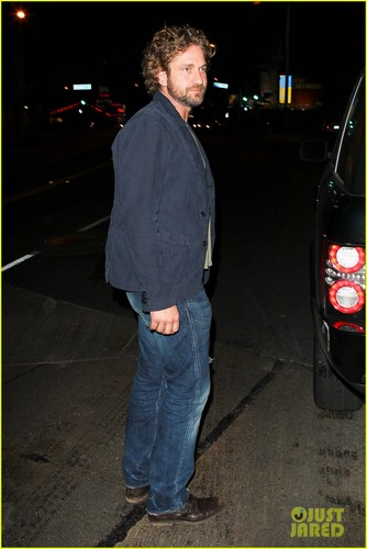 Gerard Butler wallpaper possibly with a street titled Gerard Butler: Night Out at Chateau Marmont