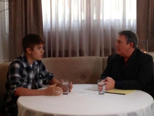 Justin on Elvis Duran.