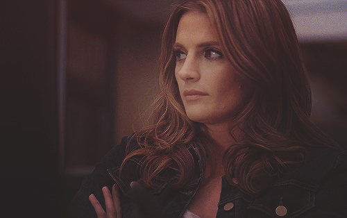 Kate Beckett karatasi la kupamba ukuta possibly containing a portrait entitled Kate <3