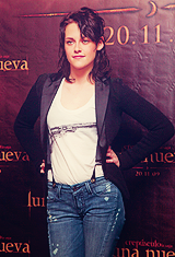 Kristen Stewart - New Moon Premiere in Mexico