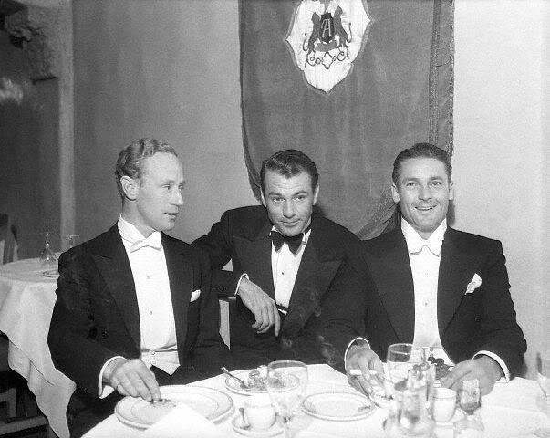 Leslie Howard, Gary Cooper & Charles Farrell