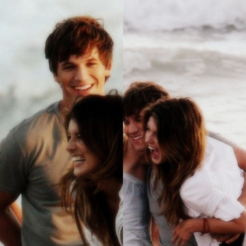 Shenae Grimes Hintergrund possibly with a sunset and a portrait entitled Liam and Annie <3