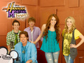 ME - hannah-montana wallpaper