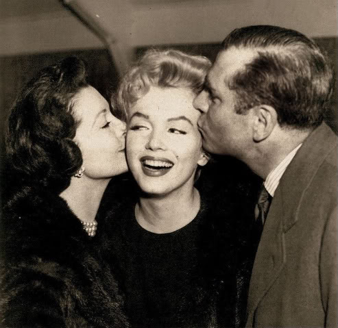Marilyn Monroe, Vivien Leigh & Laurence Olivier  - classic-movies Photo