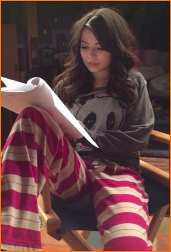 Miranda Learns Her Lines in Her PJs