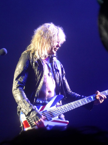Rick Savage wallpaper containing a guitarist and a concert entitled Sav