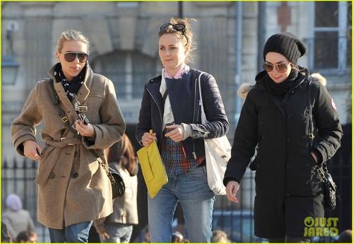Scarlett Johansson: Place des Vosges in Paris