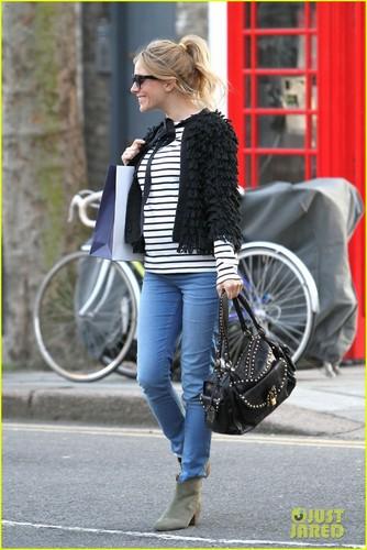 Sienna Miller: Pregnant in Primrose 丘, ヒル