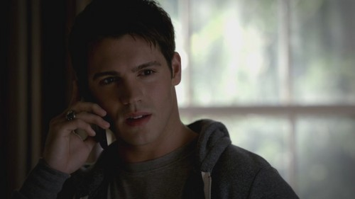 Jeremy Gilbert wallpaper possibly with a portrait entitled The Vampire Diaries 3x17 Break On Through HD Screencaps