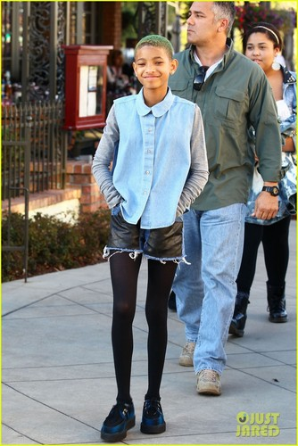 Willow Smith: Commons at Calabasas Trip!