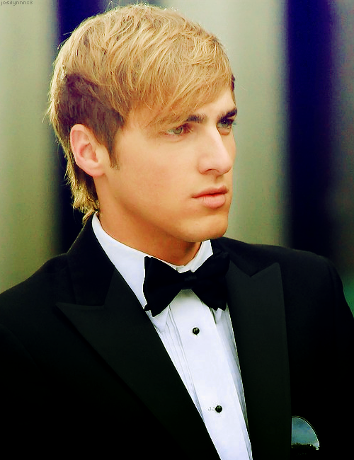 kendall!!!!!!<3