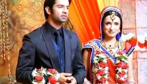 Arushi - barun-sobti Photo