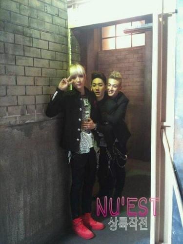 Baekho, Aron and Ren!