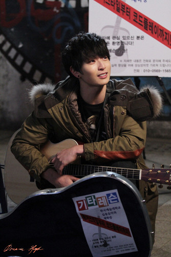 Dream High 2 wallpaper with a sign called Jin Yoo-Jin