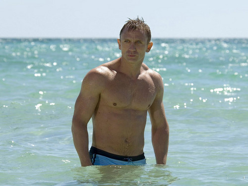 Daniel Craig Hintergrund containing swimming trunks called Daniel Craig Bond 007