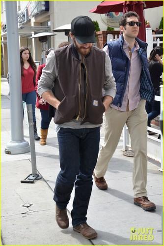 Jake Gyllenhaal: Low-Key Lunch at Urth Caffe
