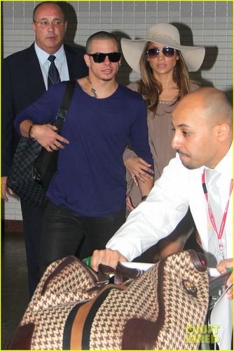 Jennifer Lopez: Not Married To Casper Smart!