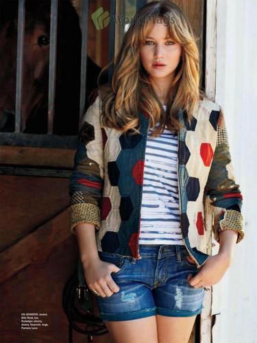 Jennifer in Seventeen scans