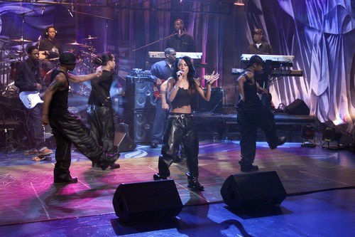Just-Aaliyah.Net Exclusive! HQ aaliyah performs 'Try Again' on gaio, jay Leno's Show