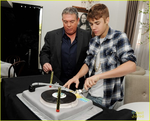 Justin Bieber: Elvis Duran Interview