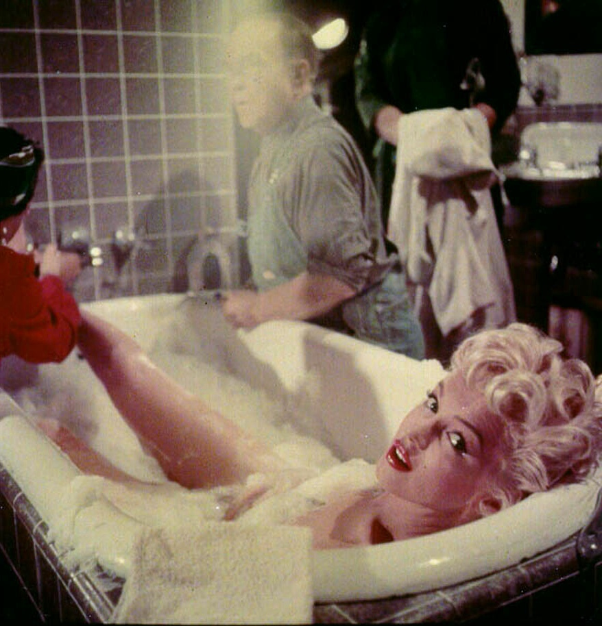 Marilyn monroe bathroom set