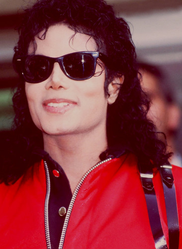 Michael Jackson wallpaper containing sunglasses titled Michael Jackson