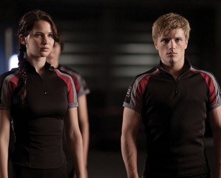 Peeta Mellark and Katniss Everdeen wolpeyper entitled Peeta and Katniss