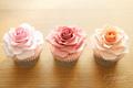 Rose कप केक