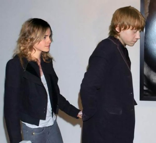 Emma Watson And Daniel Radcliffe Holding Hands Rupert and Emma - Rupe...