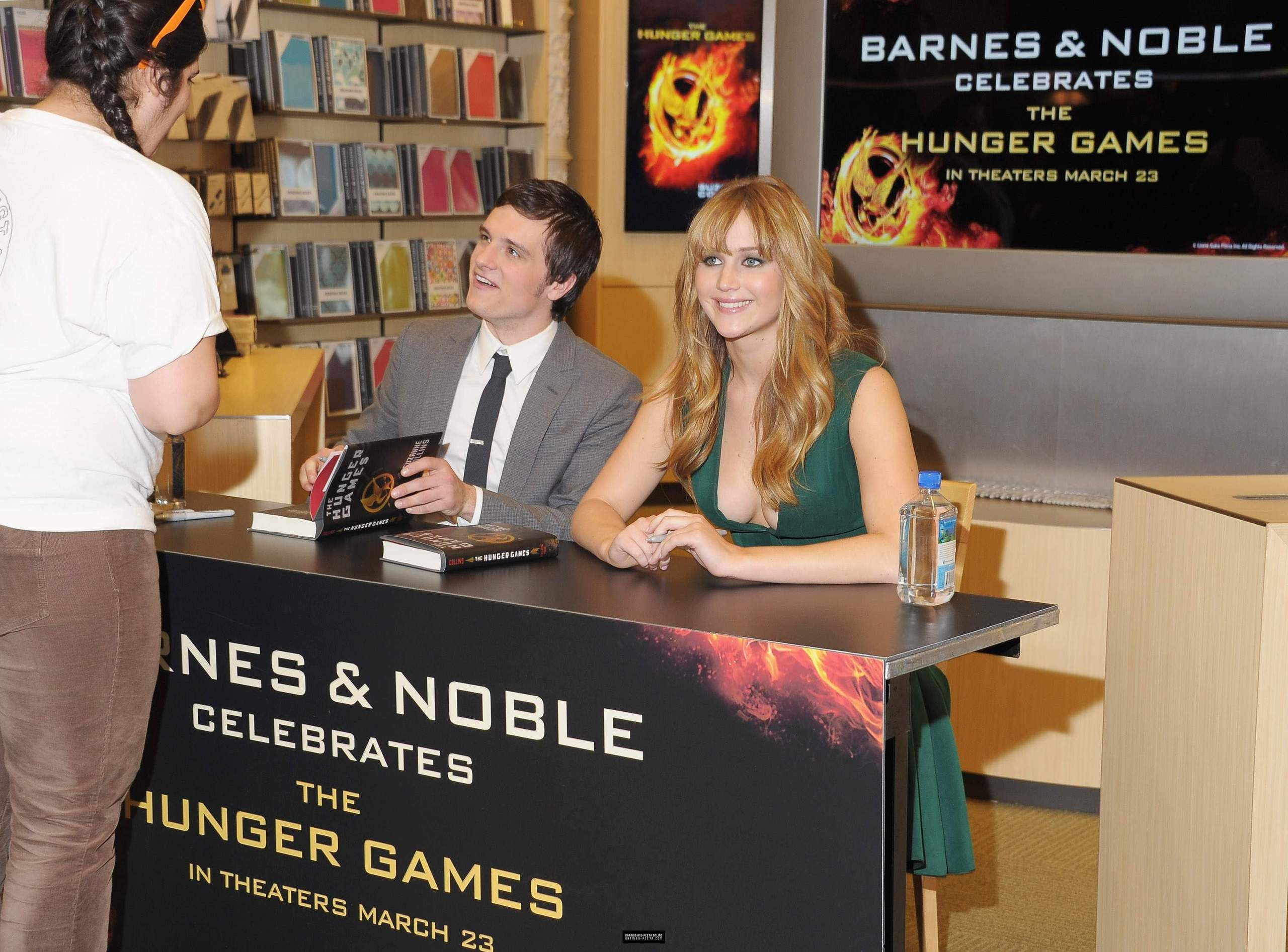 THG book signing at Barnes and Noble - Josh Hutcherson Photo